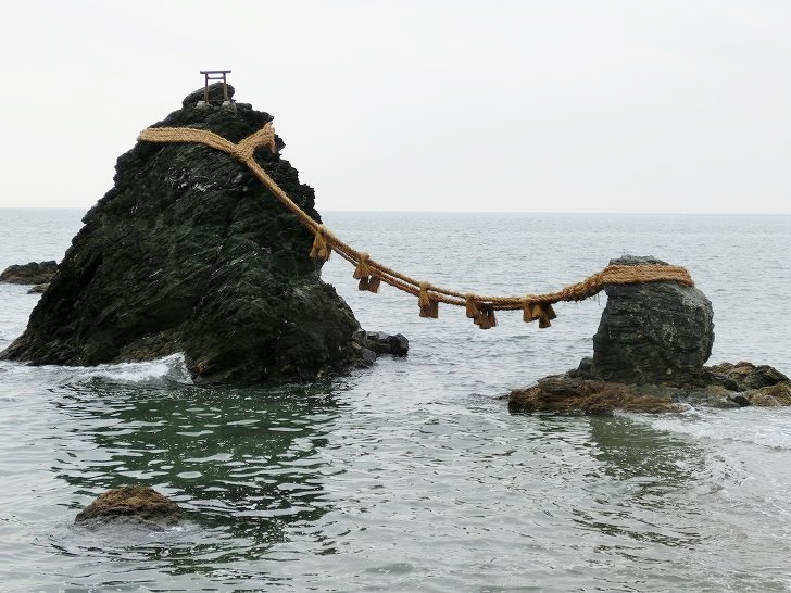 夫婦円満【二神輿玉神社(夫婦岩)】