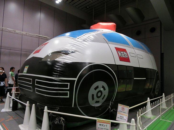 トミカ博in大阪2017のアトラクション・トミカパトロールカーふあふあ