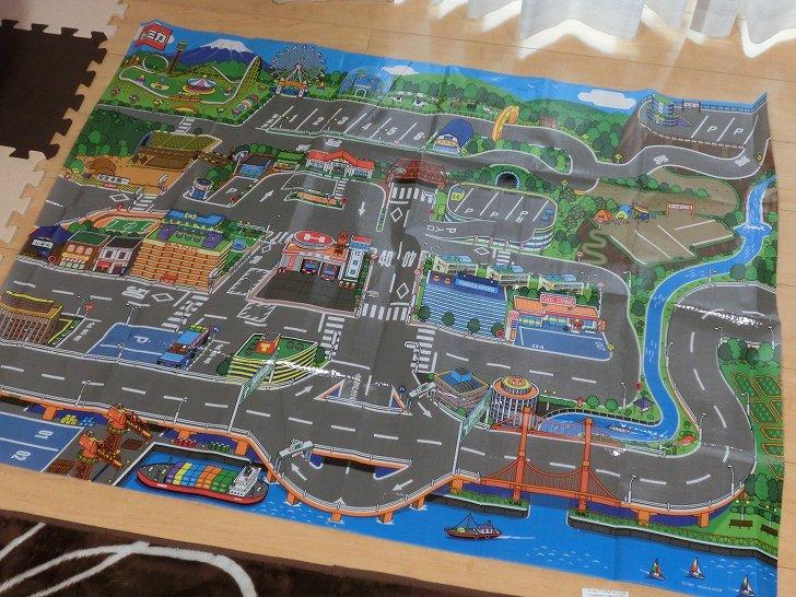 トミカおでかけレジャーマップは道路付きレジャーシート