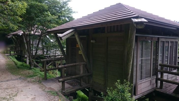 ちはや園地金剛山キャンプ場バンガロー