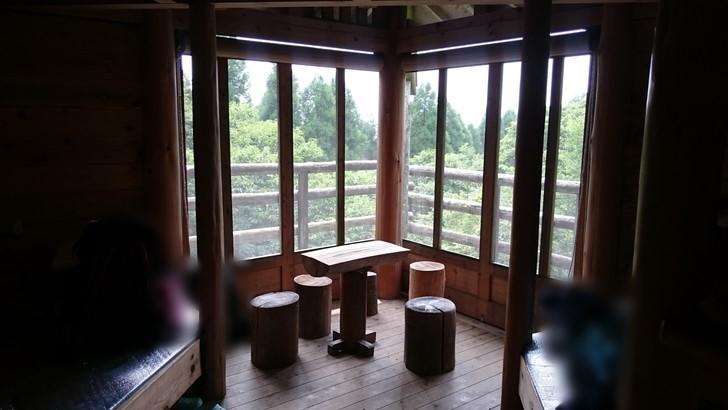 ちはや園地金剛山キャンプ場バンガローの内部