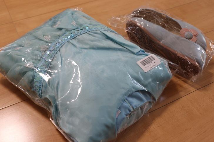 Amazonで買った子供用ドレスと靴
