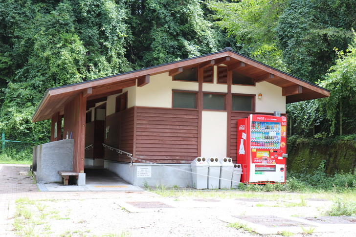 金剛・千早ロープウェイバス停近くのトイレ