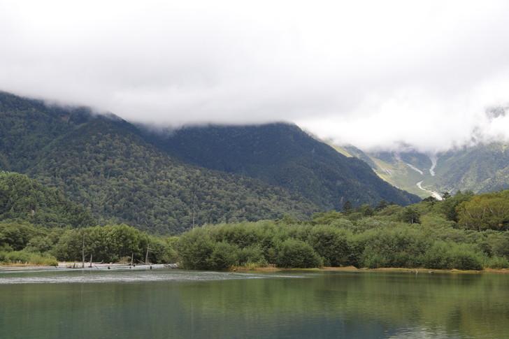 大正池と穂高連峰