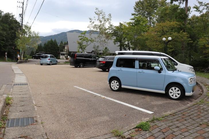 ひるがの分水嶺公園の駐車場