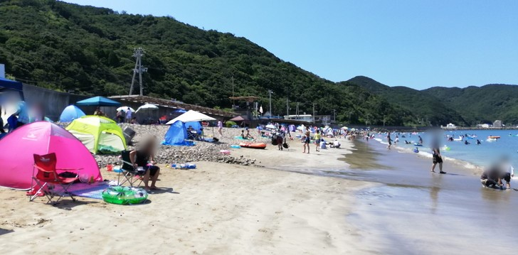 産湯海水浴場のビーチの状況