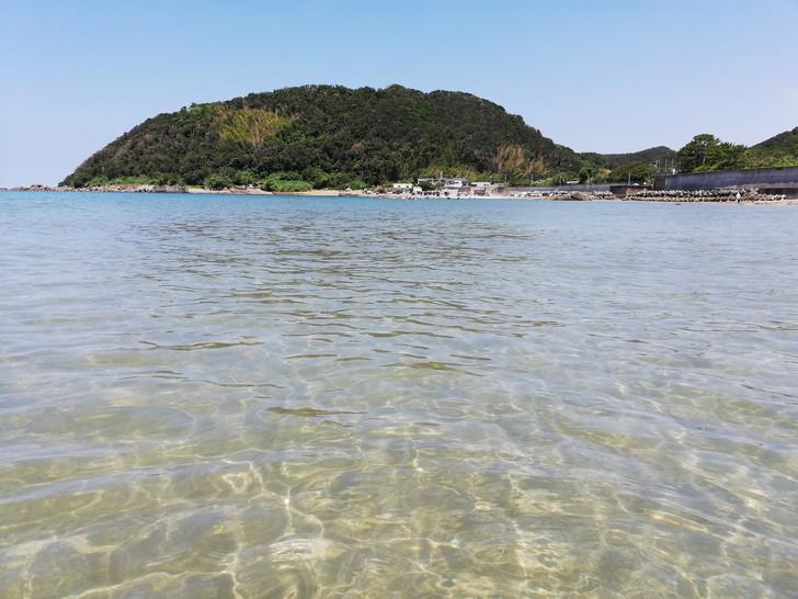 関西屈指の透明度の高い海水で有名な産湯海水浴場