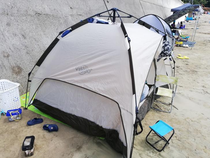ビーチにおすすめ簡易テント