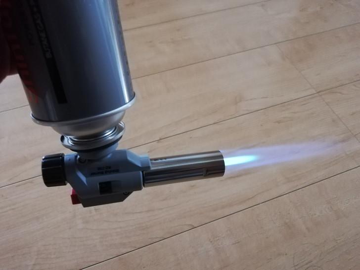 新富士製パワートーチRZ-730は点火直後から逆さ使用可能