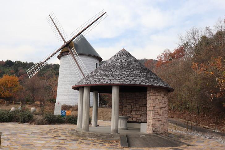 あすたむらんど徳島の風車の丘