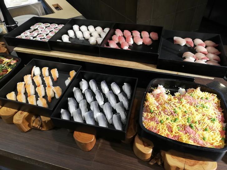 アオアヲナルトリゾート夕食バイキング「お寿司」