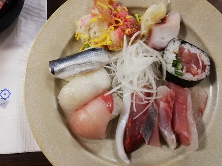 アオアヲナルトリゾートの阿波郷土料理「彩」はメニューが豊富