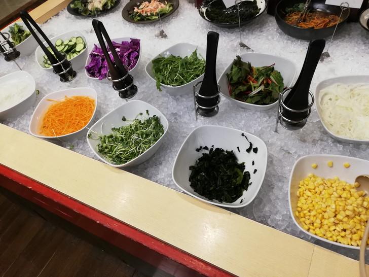 アオアヲナルトリゾート夕食バイキング「サラダ」