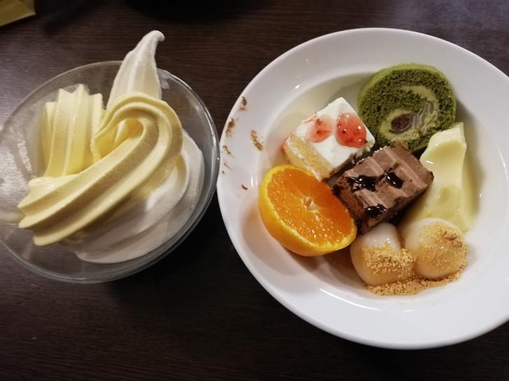 アオアヲナルトリゾート夕食バイキングの料理