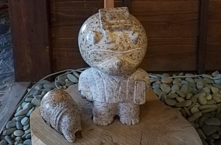 アオアヲナルトリゾートのたぬき八福神「①たこ壺大明神」