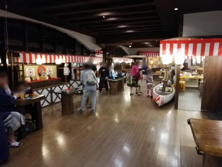 アオアヲナルトリゾートの縁日にはたくさんの出店が!!