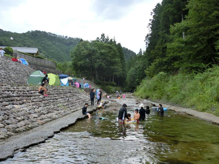 川遊びで水遊びを楽しむグッズ