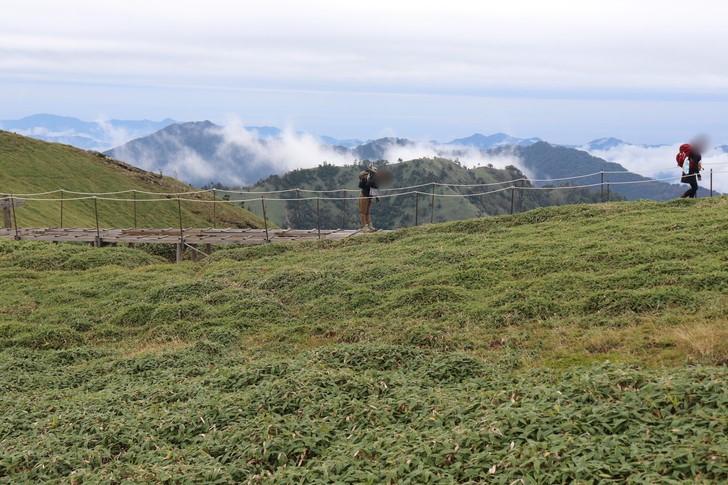 剣山山頂付近のようす「遊歩道コース」