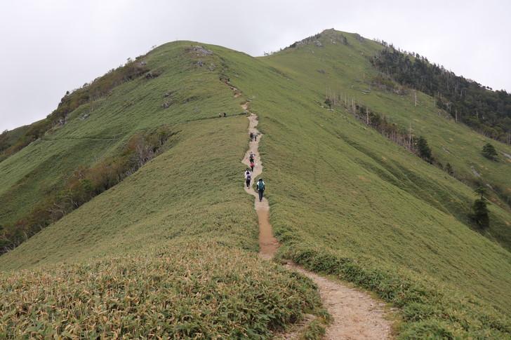 次郎笈から剣山まで縦走:二度見展望所への分岐