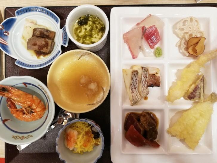 鳴門グランドホテル海月の夕食バイキング【お刺身・天ぷら】