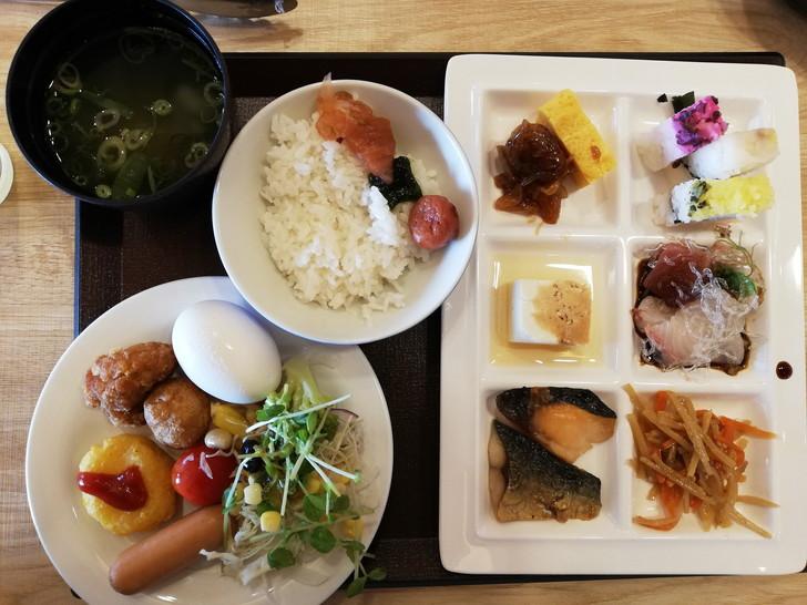鳴門グランドホテル海月の朝食バイキングで食べた料理