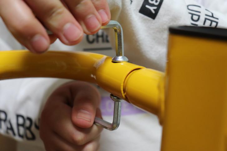 WASAIチンニングスタンド「BS30W」の背もたれフレームの組み立て