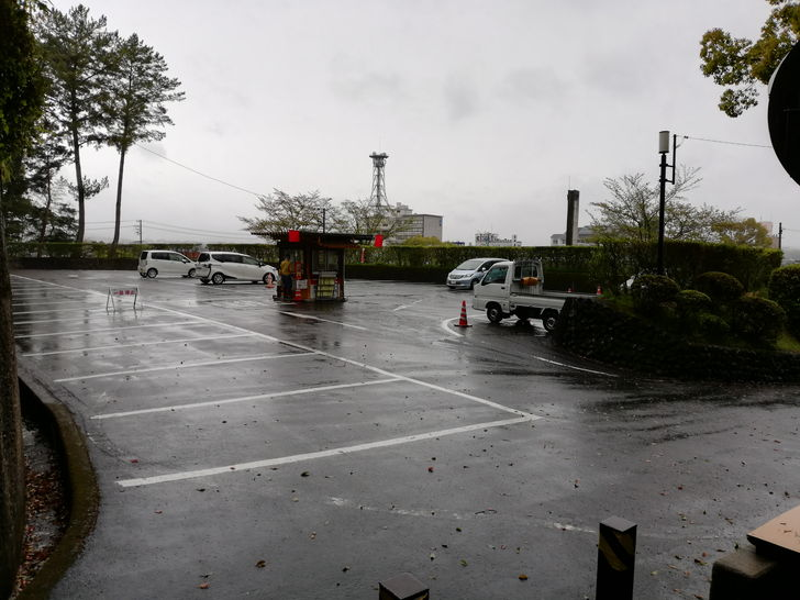 伊賀上野城の駐車場は?