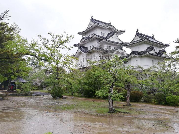 伊賀上野城の天守閣は複合式天守